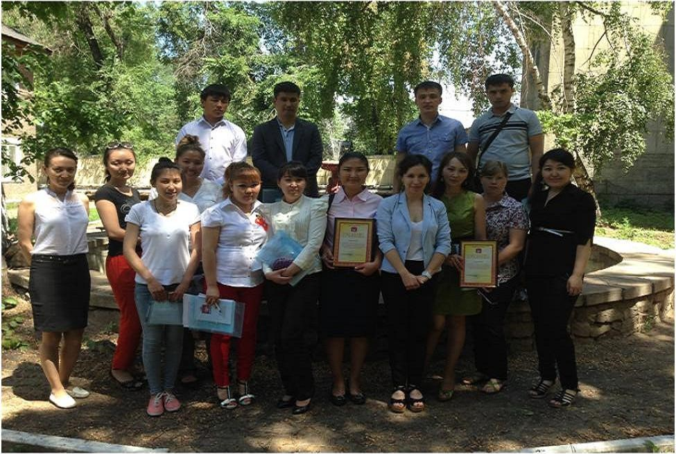 Участники Республиканской конференции молодых ученых «Ветеринарная медицина, биотехнология и пищевая безопасность: достижения молодых ученых и специалистов Казахстана», КазНИВИ, 28 мая 2014 года